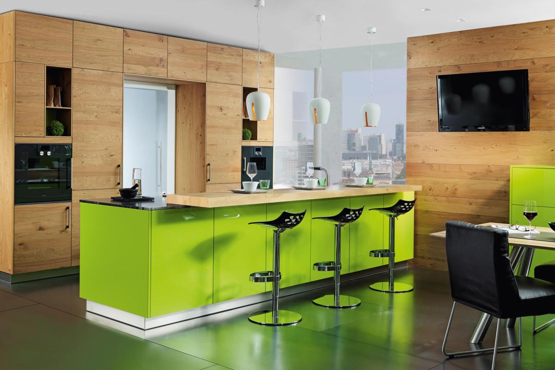 Tiroler Küchenstudio   EWE KÜCHEN MODELL LUCCA lime green / wildeiche